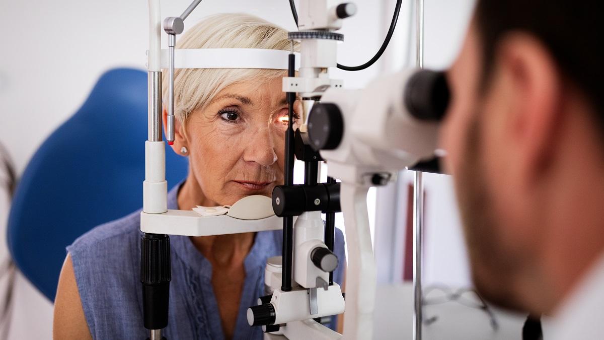 Maculopatia, una lente intraoculare per salvare la vista