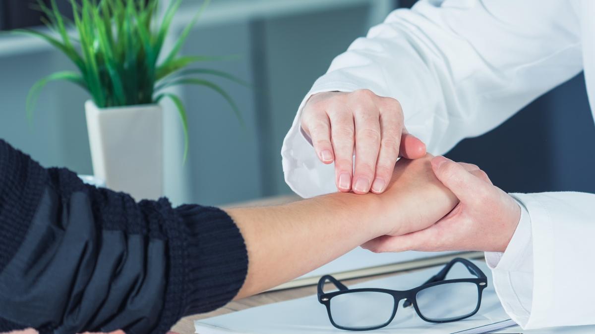 Mano e polso: il trattamento chirurgico per risolvere il dolore e recuperare le funzionalità