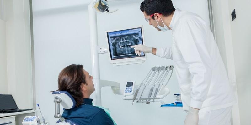 Tecnologie 3D, impianti innovativi e sicurezza ospedaliera alla Dental Unit di Città di Lecce Hospital