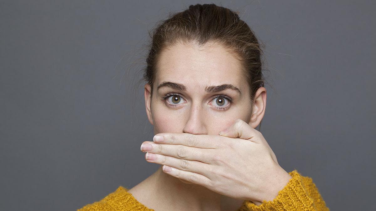 Alitosi: la prevenzione parte da casa