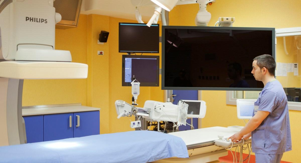 Coartazione istmica aortica: intervento mininvasivo salva vita di un giovane