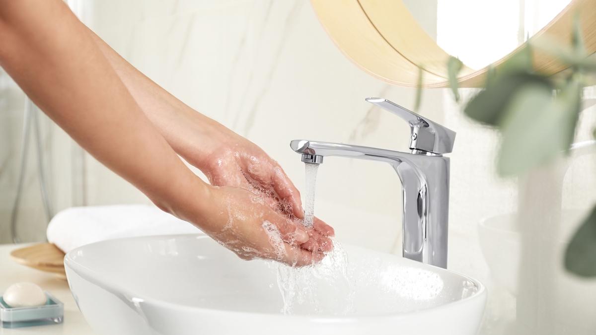 Come lavare e idratare le mani in modo corretto