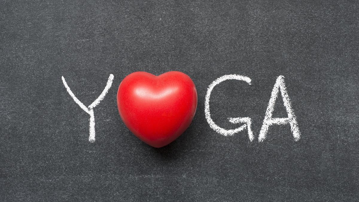 Perché lo yoga fa bene al cuore