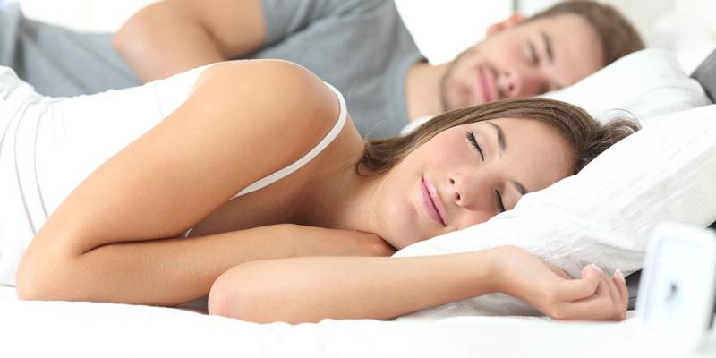 Insonnia e apnee notturne possono danneggiare il nostro cuore già da giovani