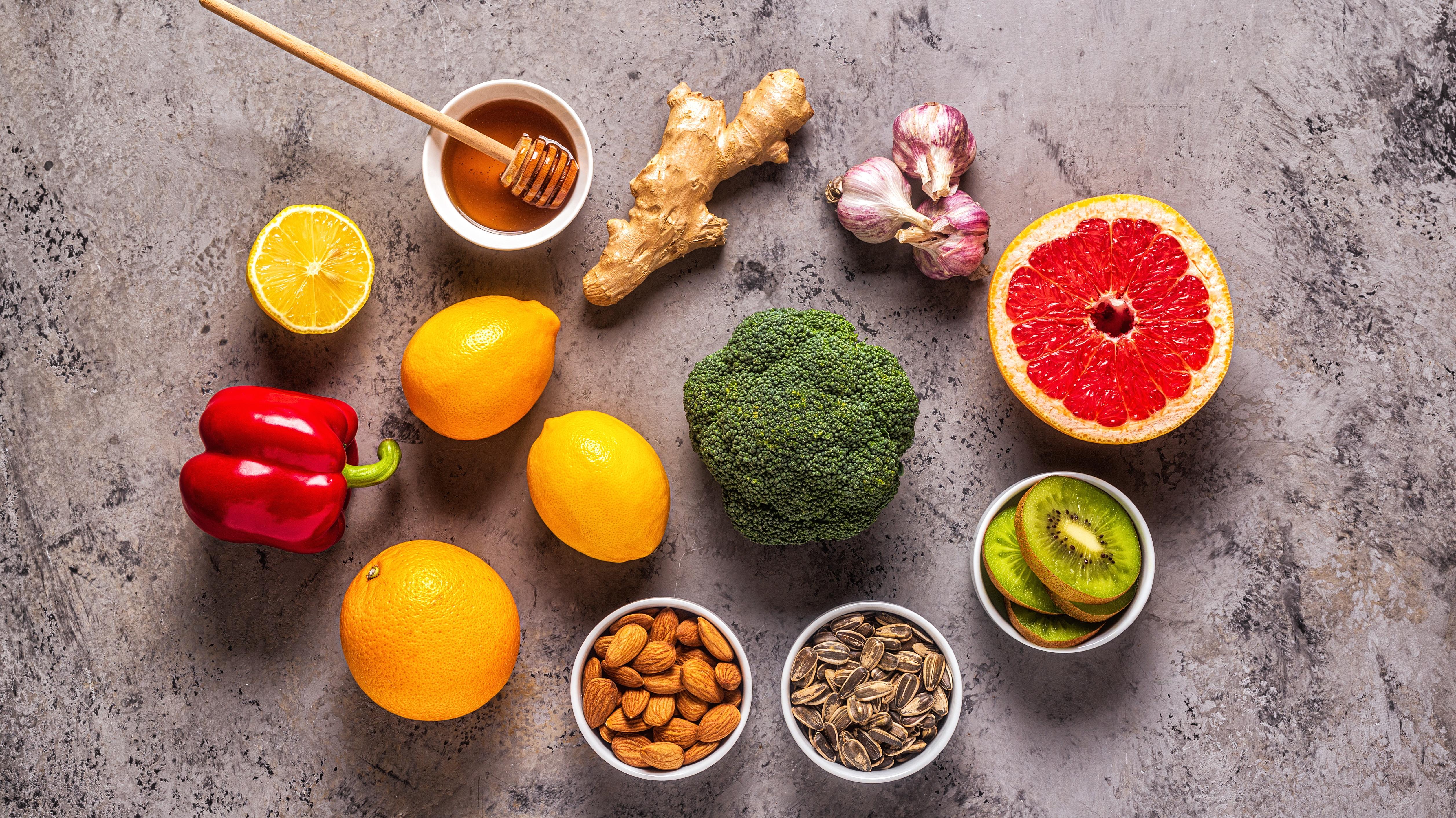 Quale alimentazione seguire per aumentare le difese immunitarie?