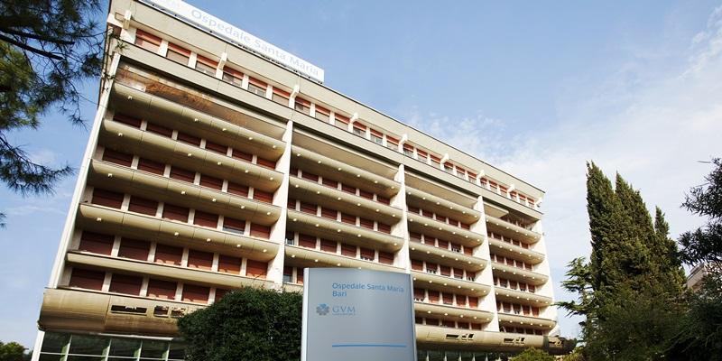 Manager barese salvato da carcinoma al colon retto grazie alla diagnosi tempestiva svolta presso l'Ospedale Santa Maria