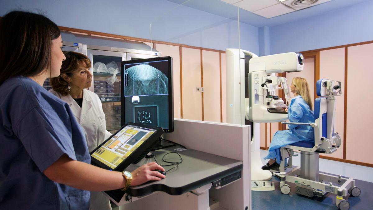 Tumore al seno: l'importanza di seguire la paziente in tutto il percorso