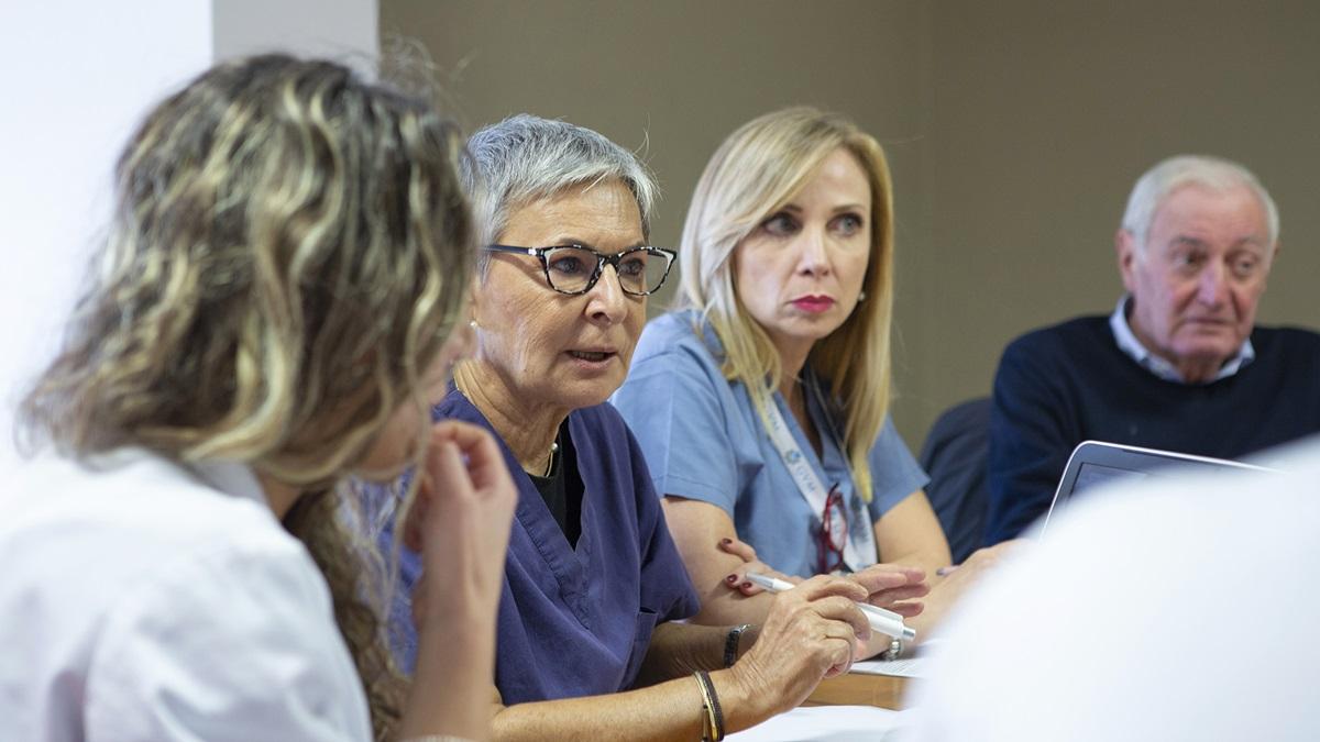 La scrittura come terapia: la Breast Unit di Ospedale Santa Maria inaugura la Medicina Narrativa