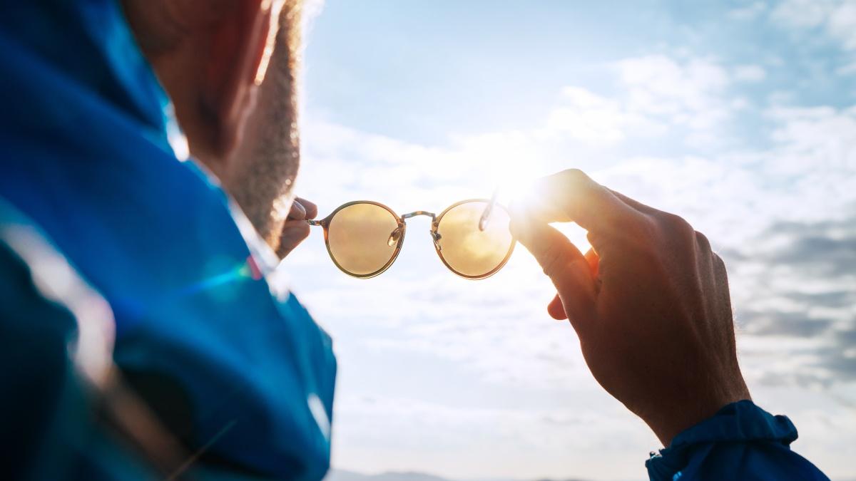 Proteggere gli occhi durante l'estate per prevenire infezioni e patologie