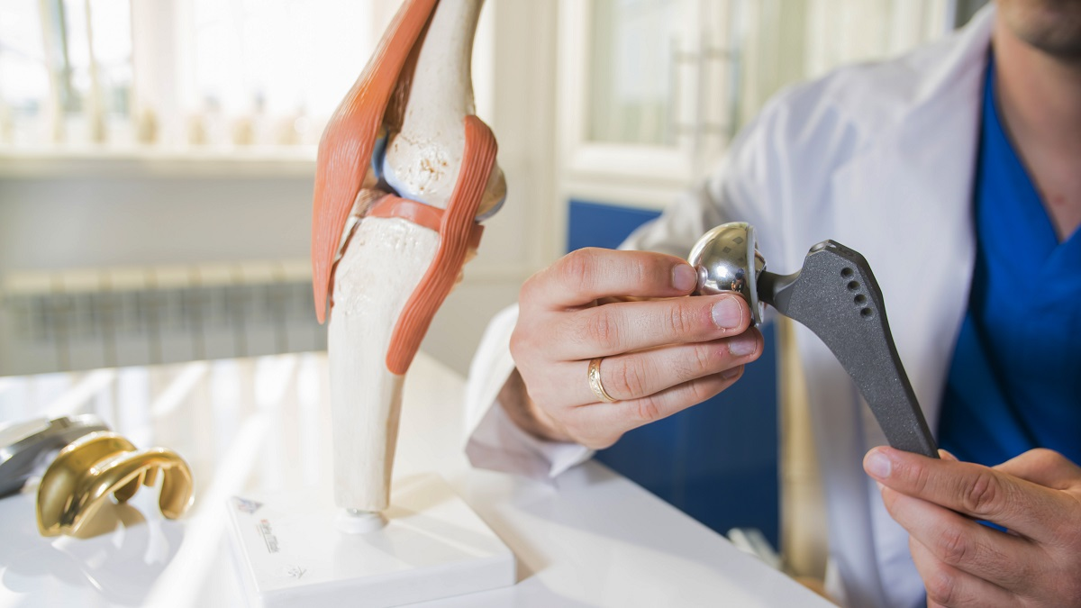 Artrosi dell'anca e chirurgia: ora la protesi è mininvasiva