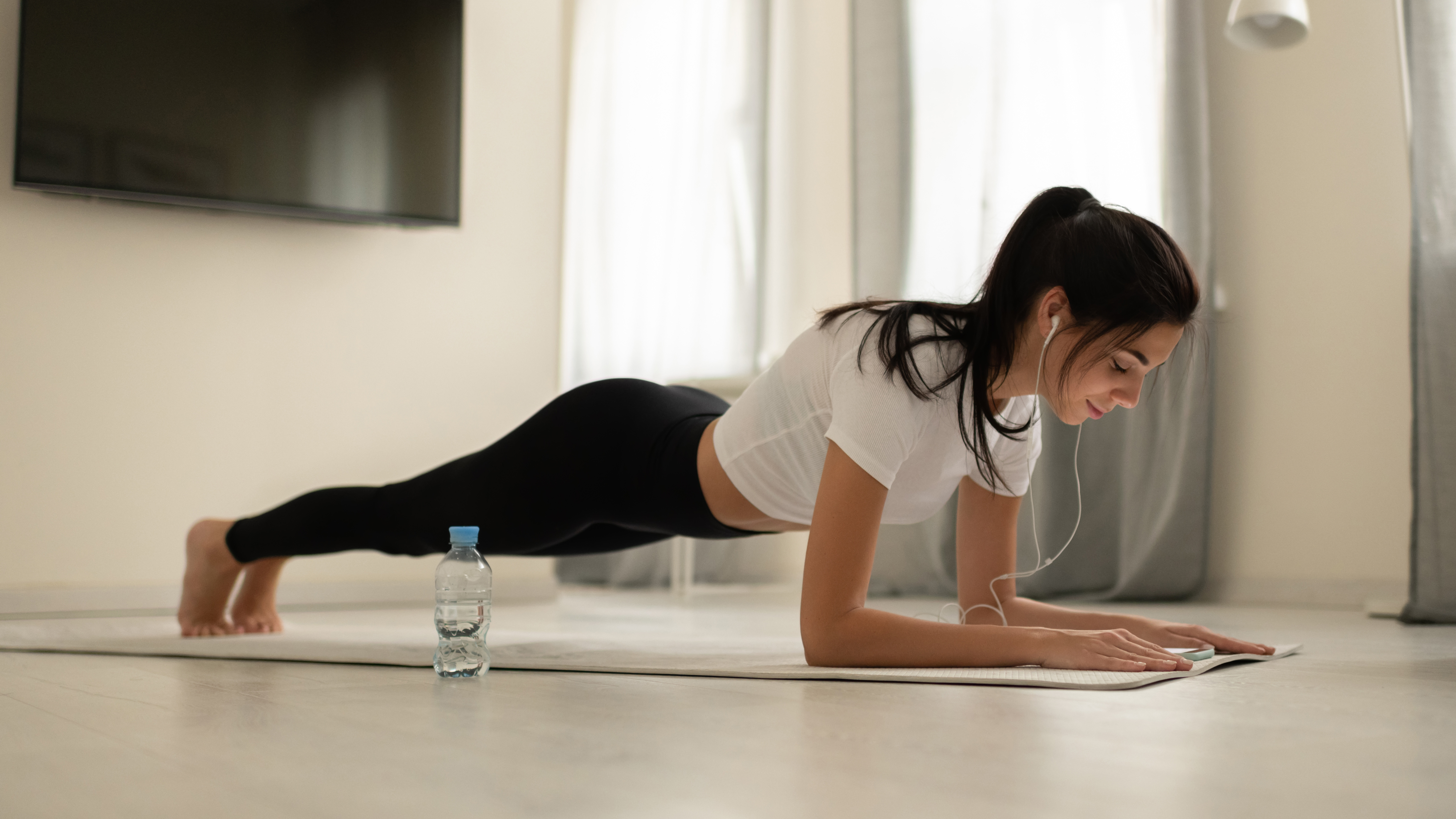 Attività fisica in casa: i consigli per farla in sicurezza