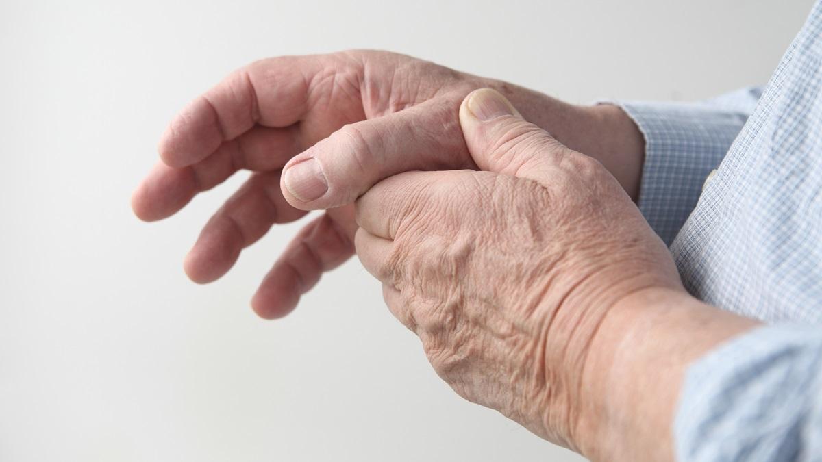Identikit della rizoartrosi, la patologia progressiva che deforma il pollice