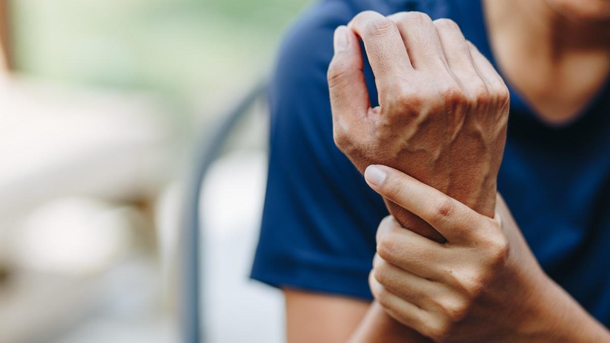 Prevenire la sindrome del tunnel carpale: alcuni accorgimenti possono aiutare