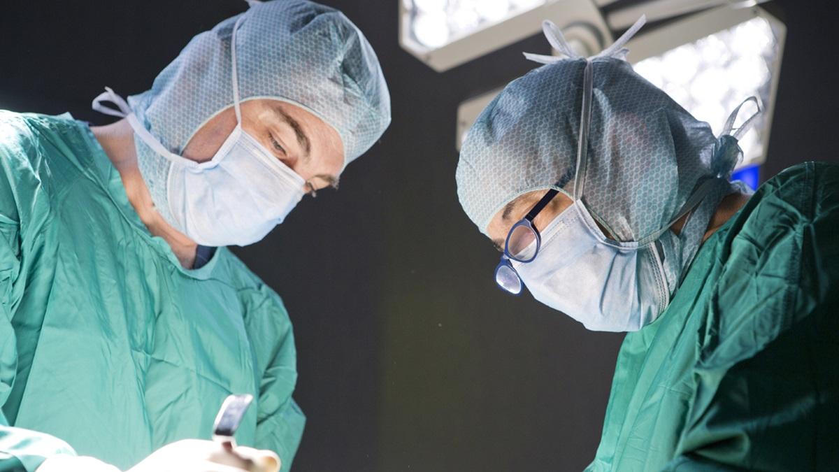 Incisioni più piccole e minor danno ai tessuti: l'evoluzione della chirurgia della mano